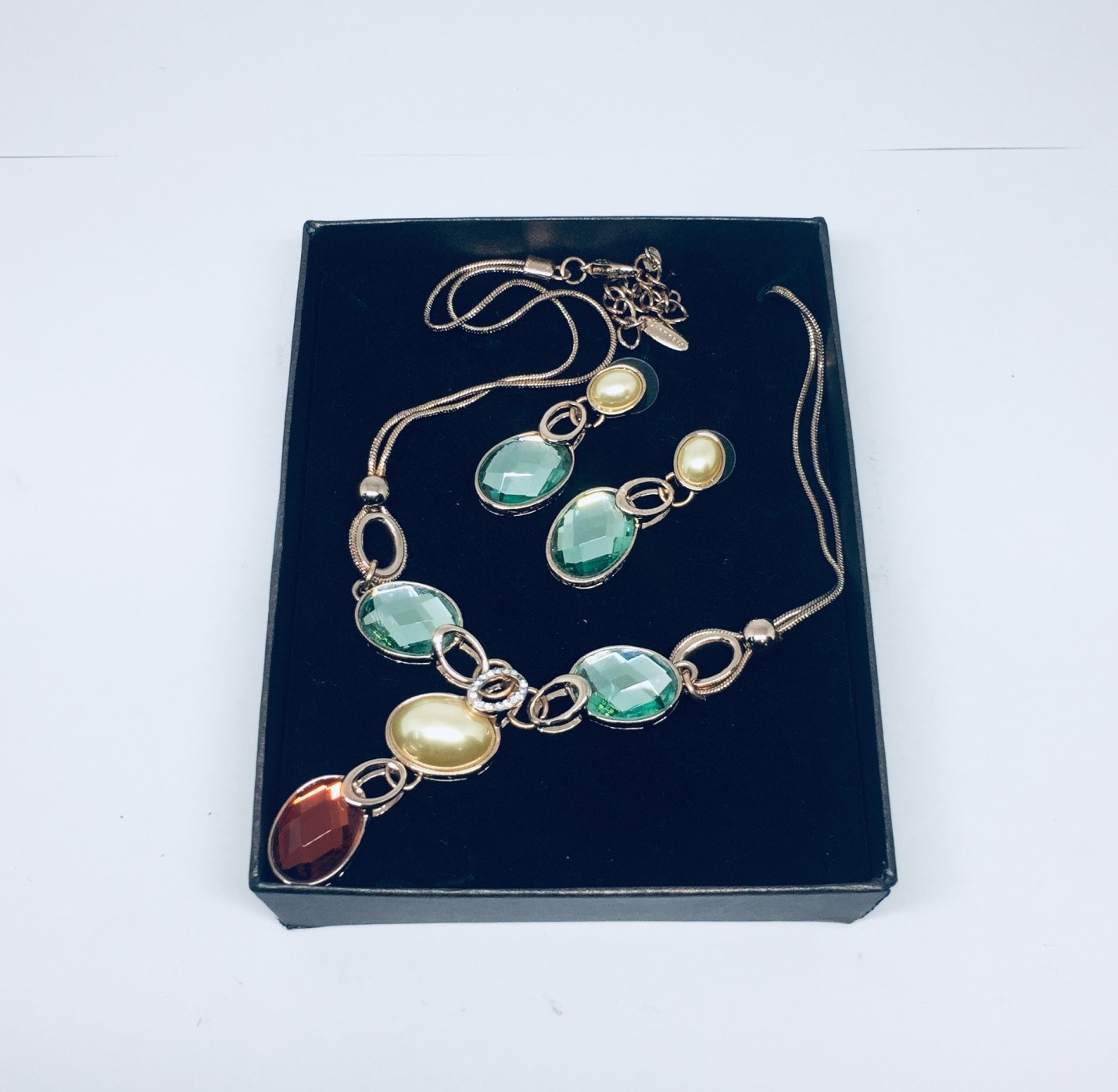 Multi-colored Necklace and Earrings Fashion Jewelry Set