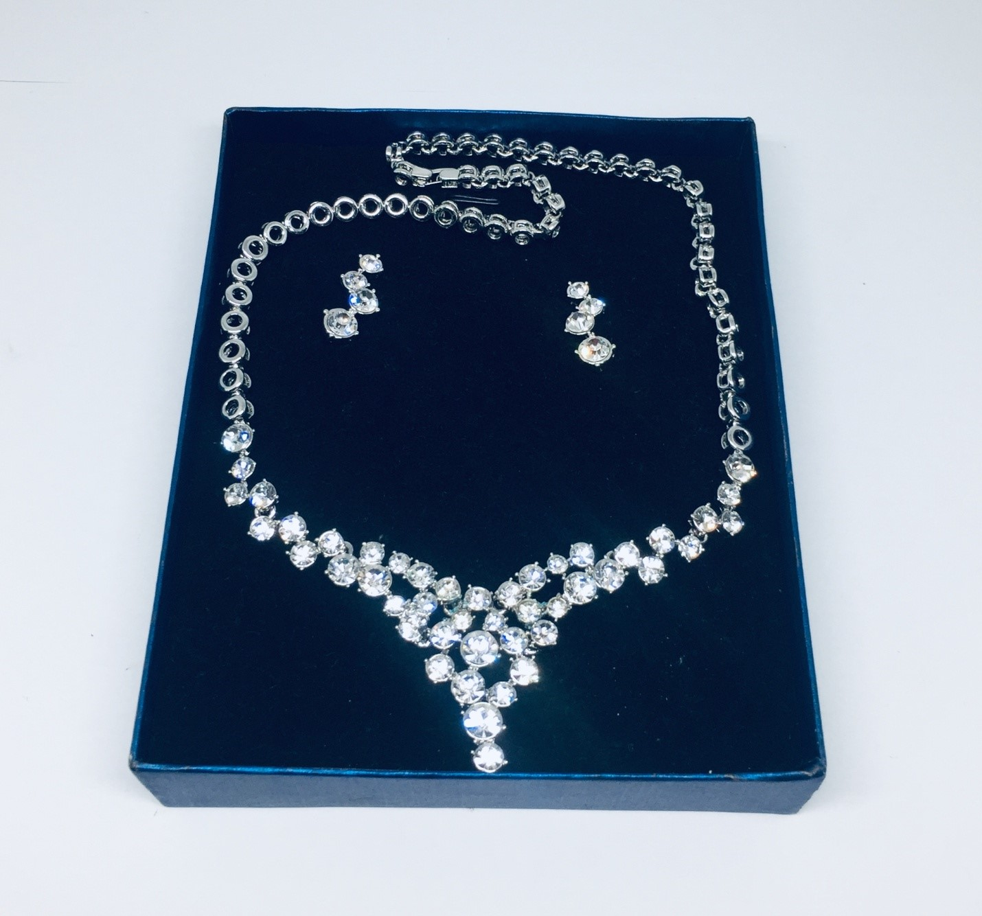 Silver Diamond Gemstones Necklace and Earrings Fashion Jewelry Set