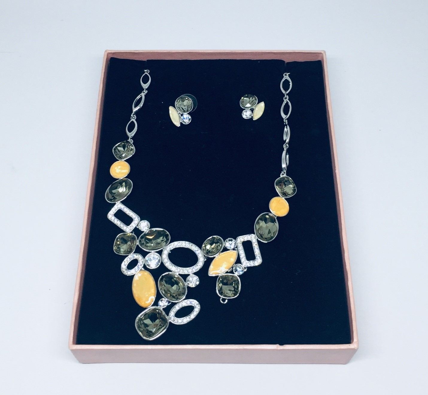 Silver Necklace and Earrings Fashion Jewelry Set