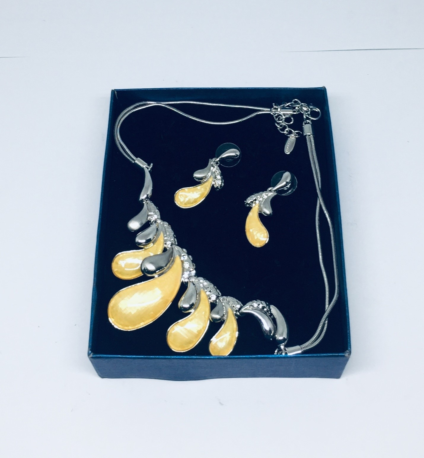 Yellow Water Drop Necklace and Earrings Fashion Jewelry Set